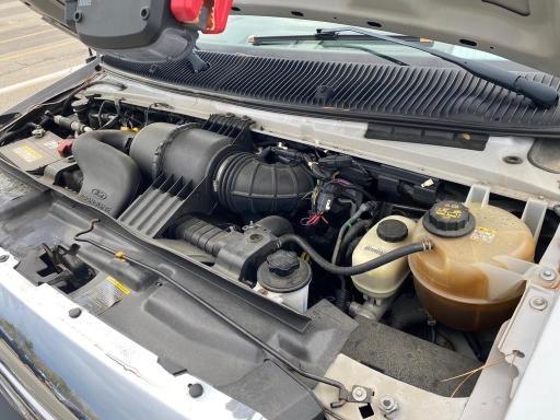 1FDEE3FS5BDA19524 2011 Ford Econoline 6.8L
