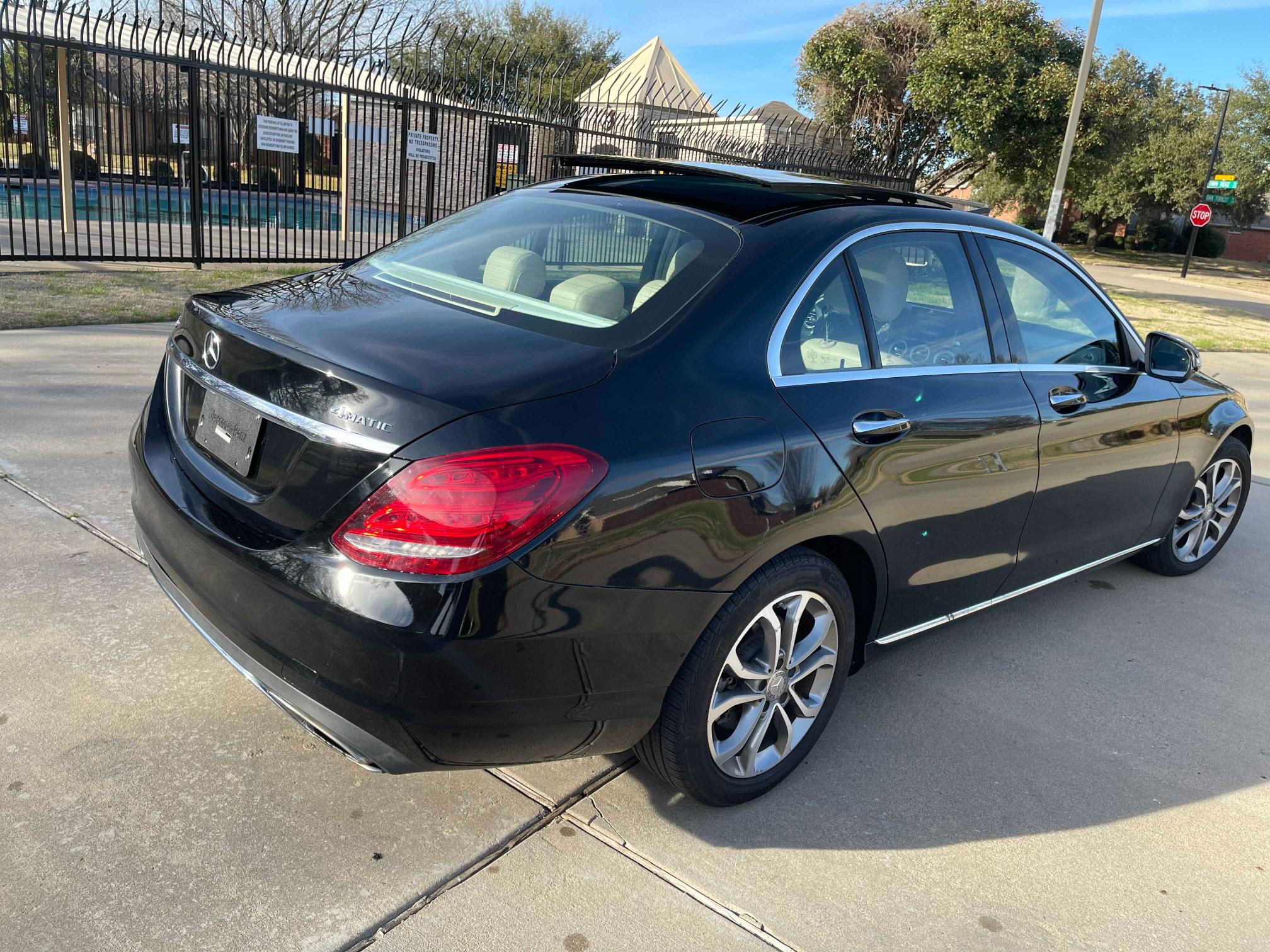 2015 Mercedes-Benz C | Vin: 55SWF4KB5FU083030