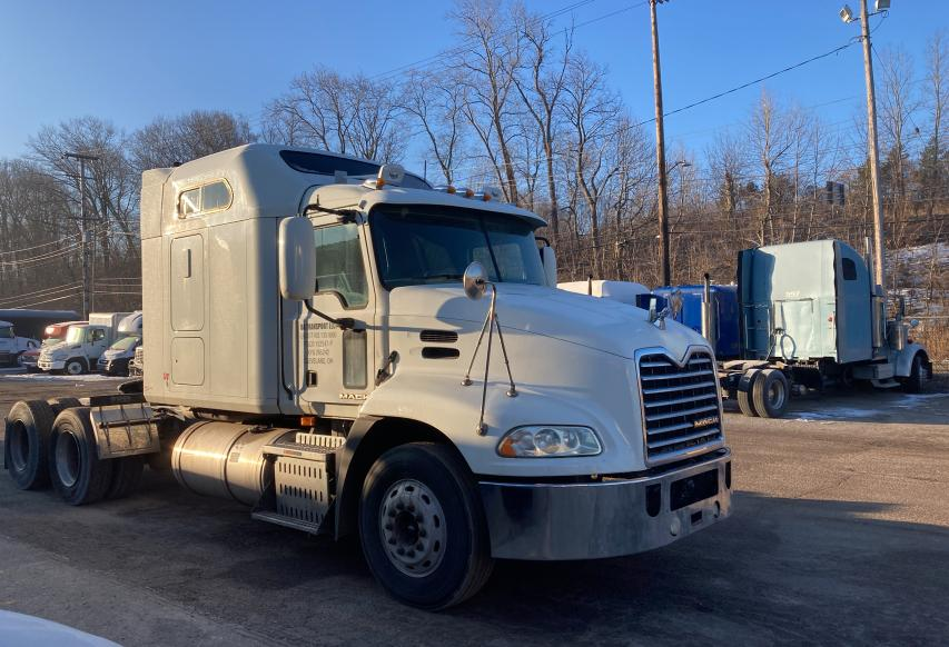2010 Mack 600 CXU600 for sale in Columbia Station, OH