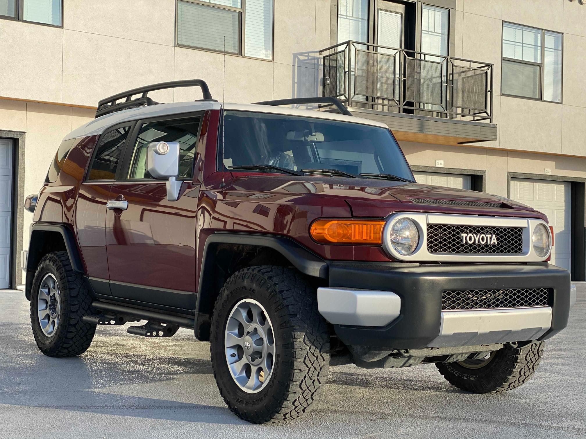Salvage cars for sale from Copart Magna, UT: 2011 Toyota FJ Cruiser