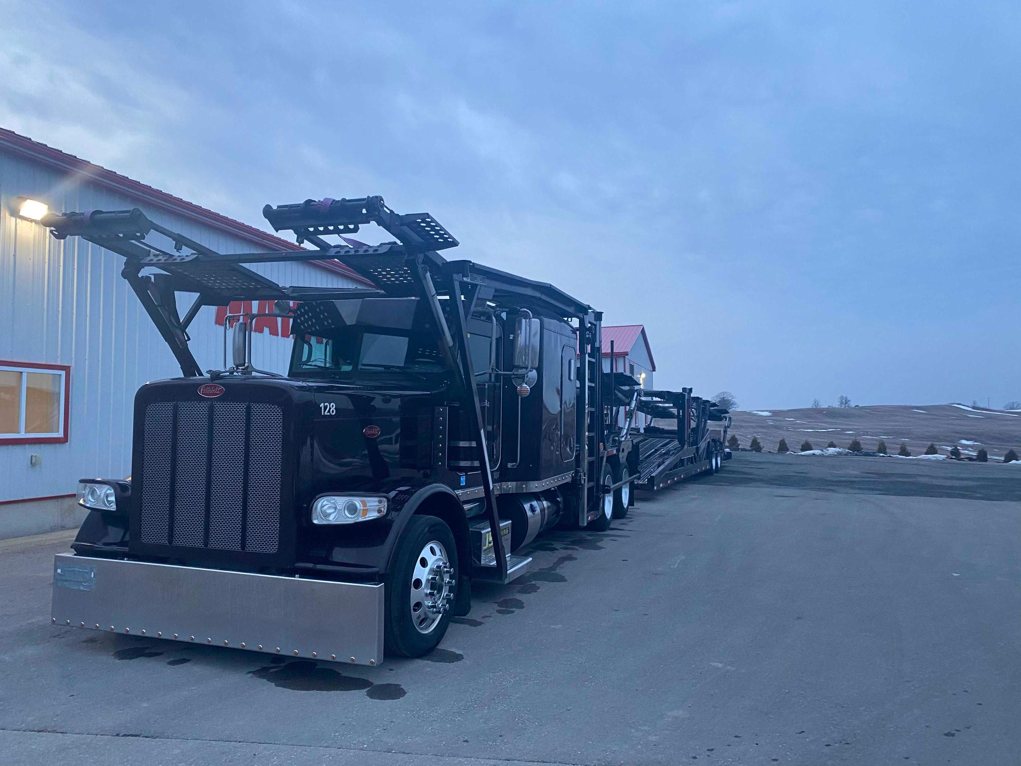 2015 Peterbilt 388 for sale in London, ON