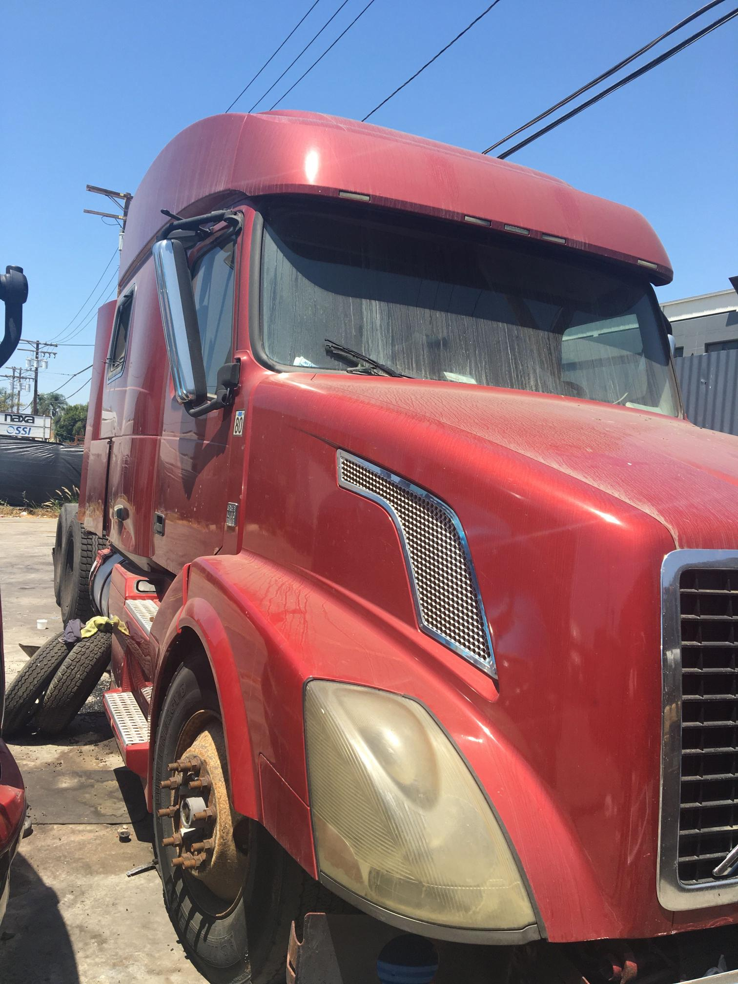 Salvage cars for sale from Copart Wilmington, CA: 2008 Volvo VN VNL