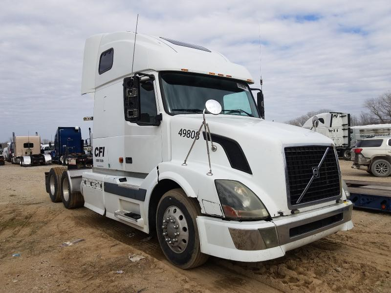 Volvo salvage cars for sale: 2006 Volvo VN VNL