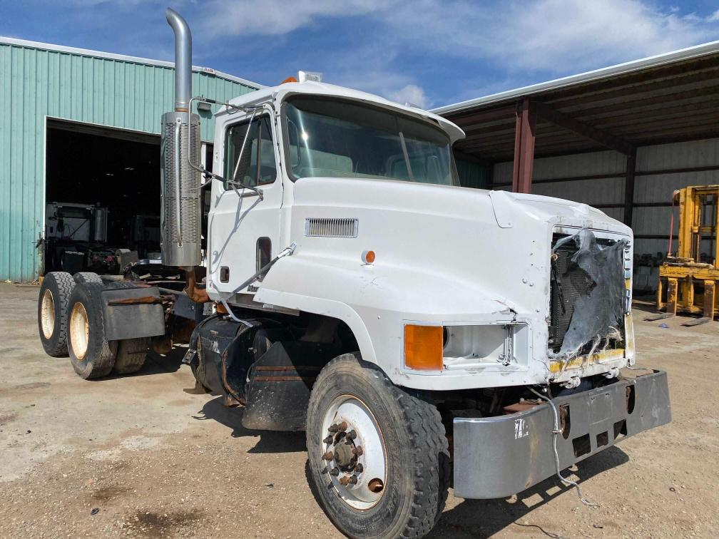 2001 Mack 600 CH600 for sale in Amarillo, TX
