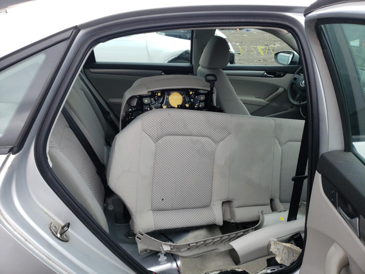 2012 Volkswagen Passat S