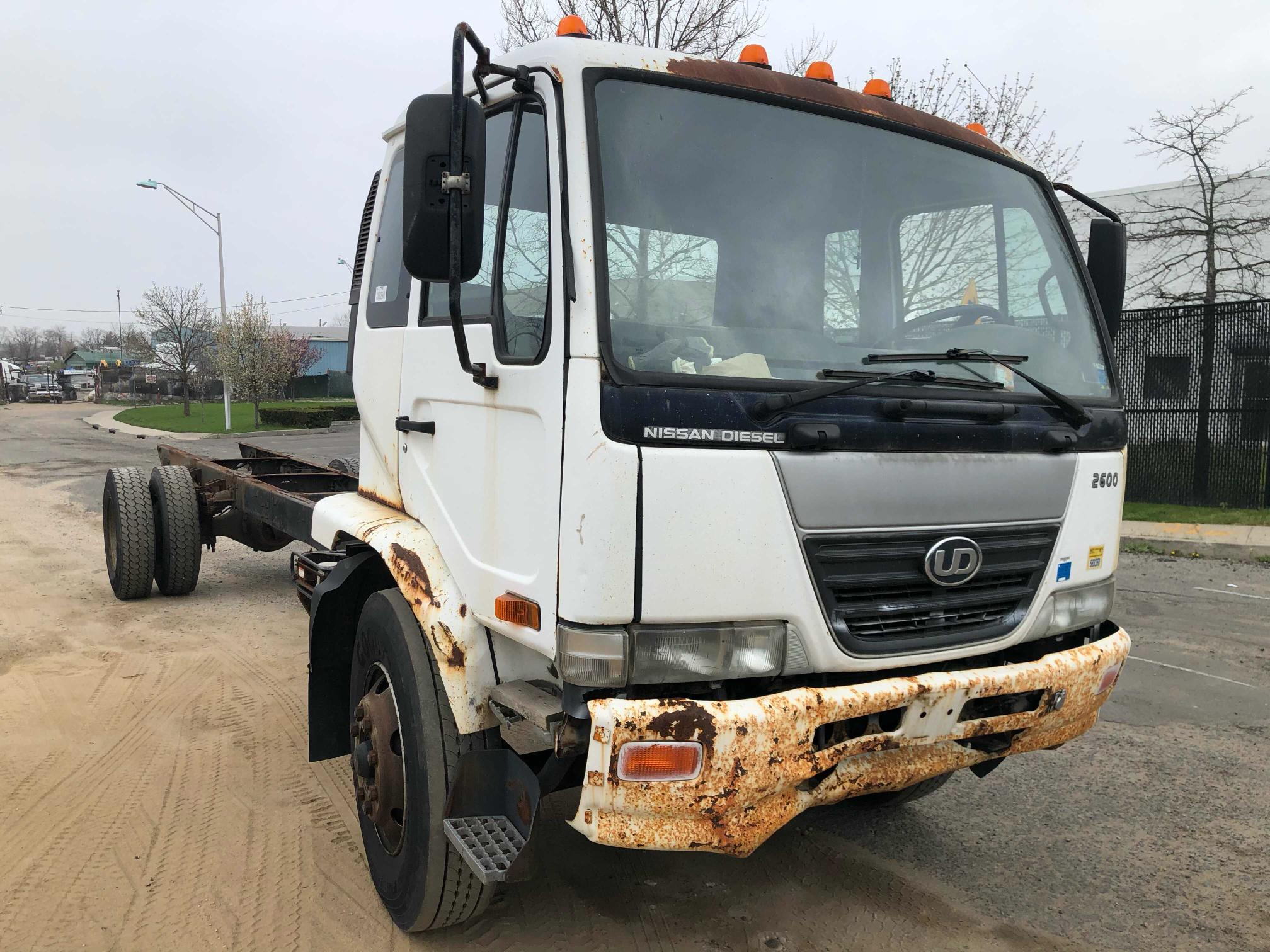 Salvage cars for sale from Copart Brookhaven, NY: 2007 Nissan Diesel UD2600
