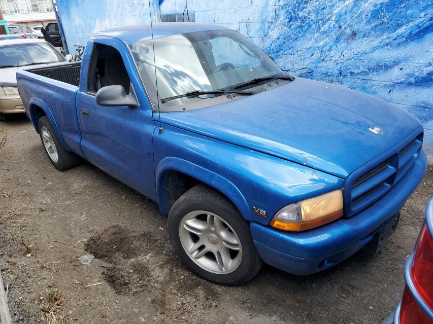 Salvage cars for sale from Copart Montreal Est, QC: 2000 Dodge Dakota