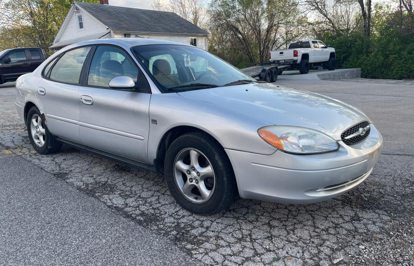 Salvage cars for sale from Copart Bridgeton, MO: 2001 Ford Taurus SES
