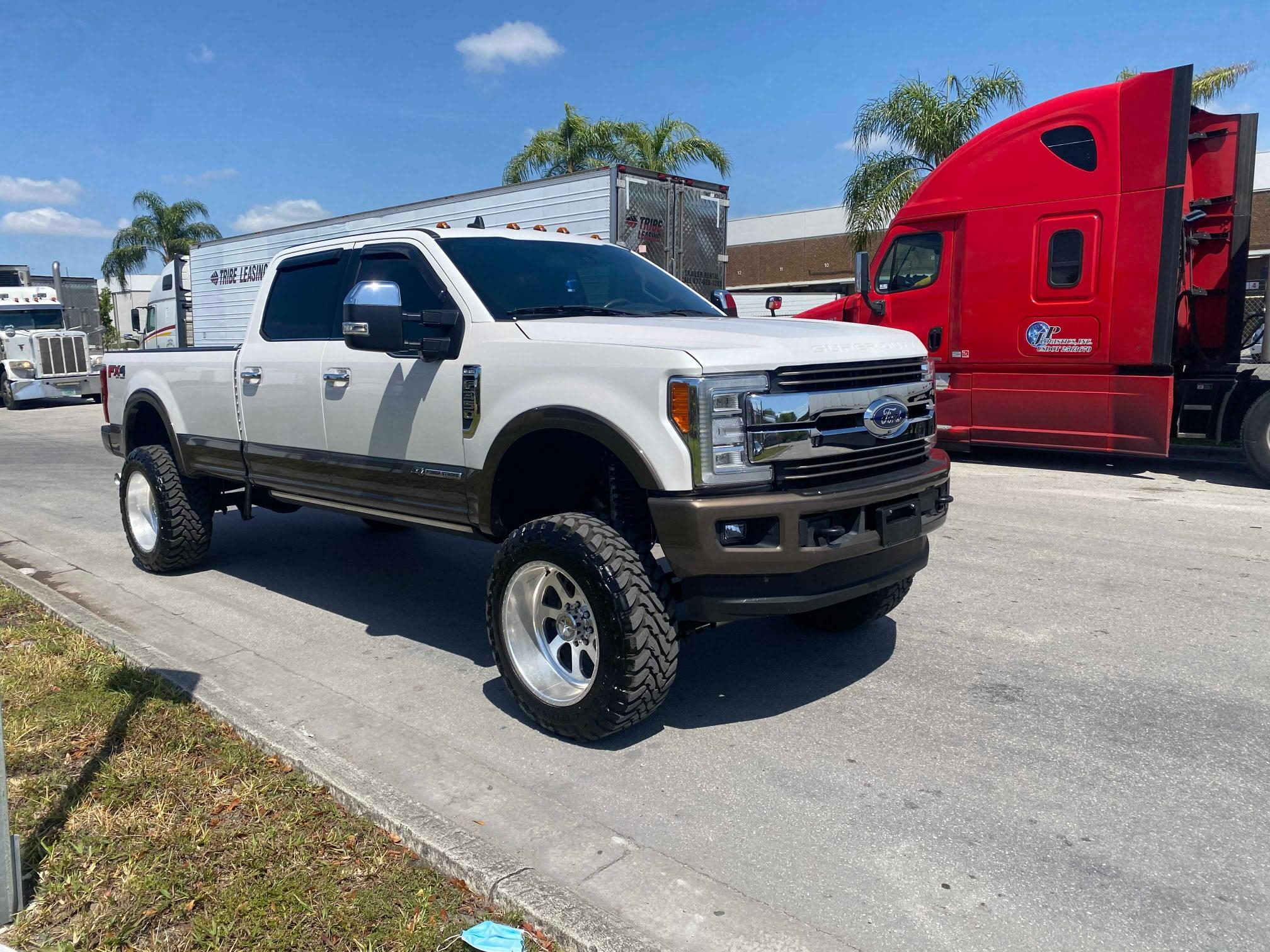 Vehiculos salvage en venta de Copart Miami, FL: 2017 Ford F350 Super