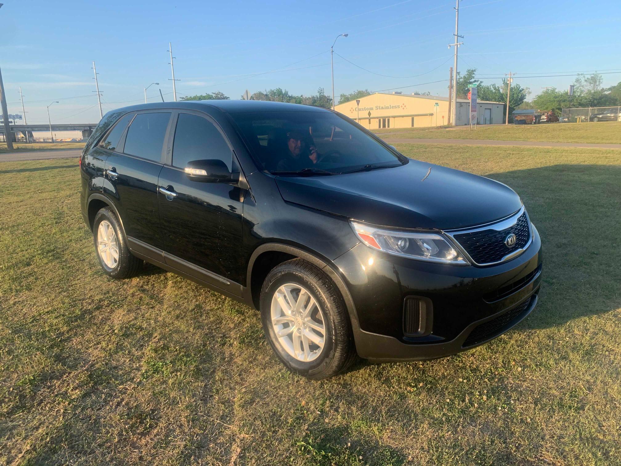 Salvage cars for sale from Copart Oklahoma City, OK: 2015 KIA Sorento LX