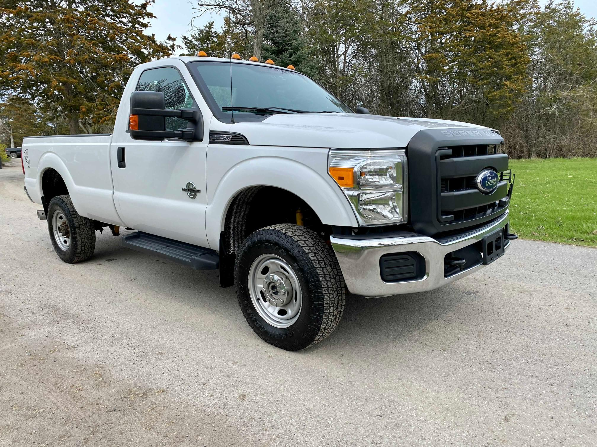 Salvage cars for sale from Copart Ontario Auction, ON: 2016 Ford F250 Super