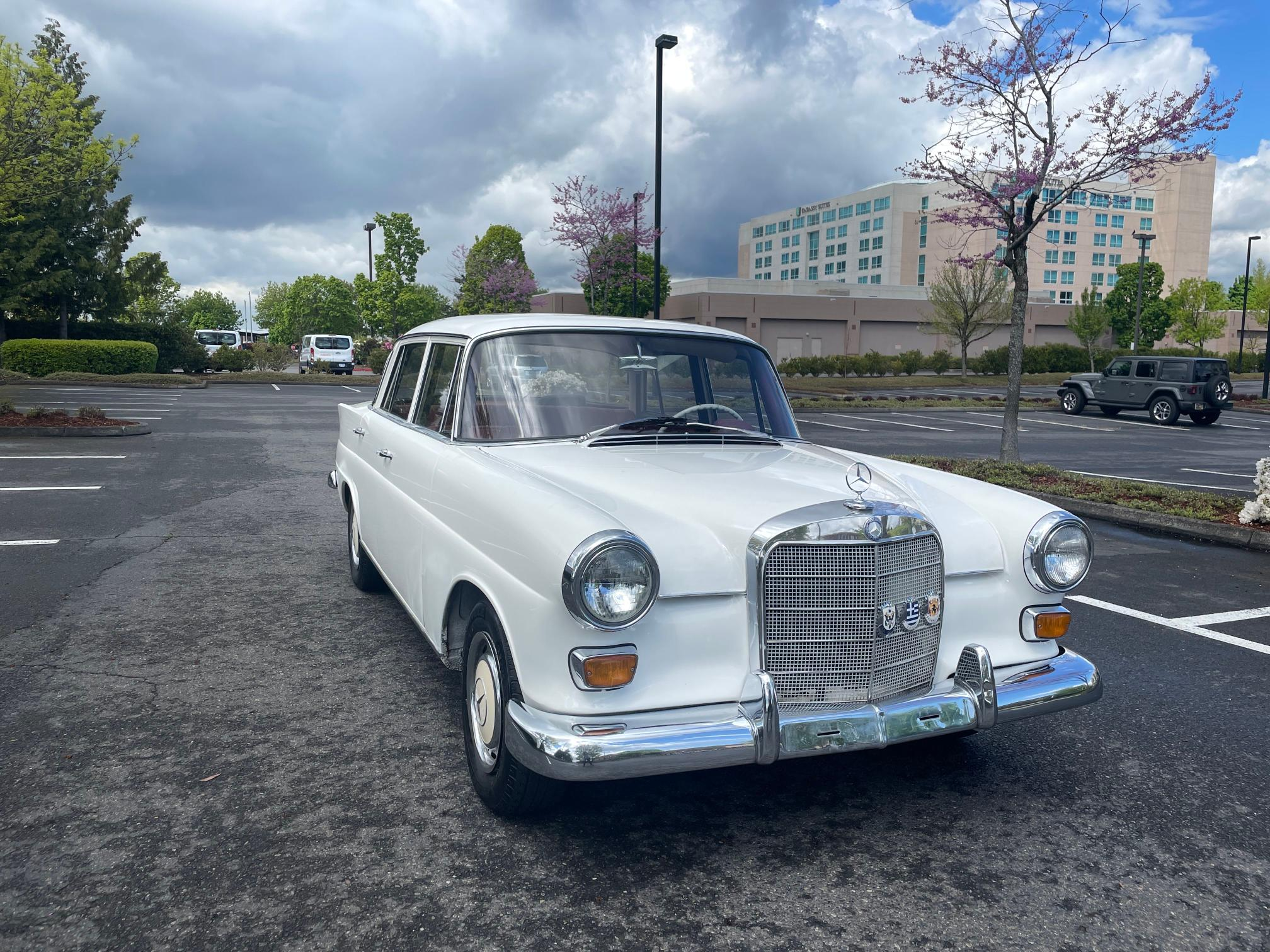 Salvage cars for sale from Copart Portland, OR: 1966 Mercedes-Benz 200