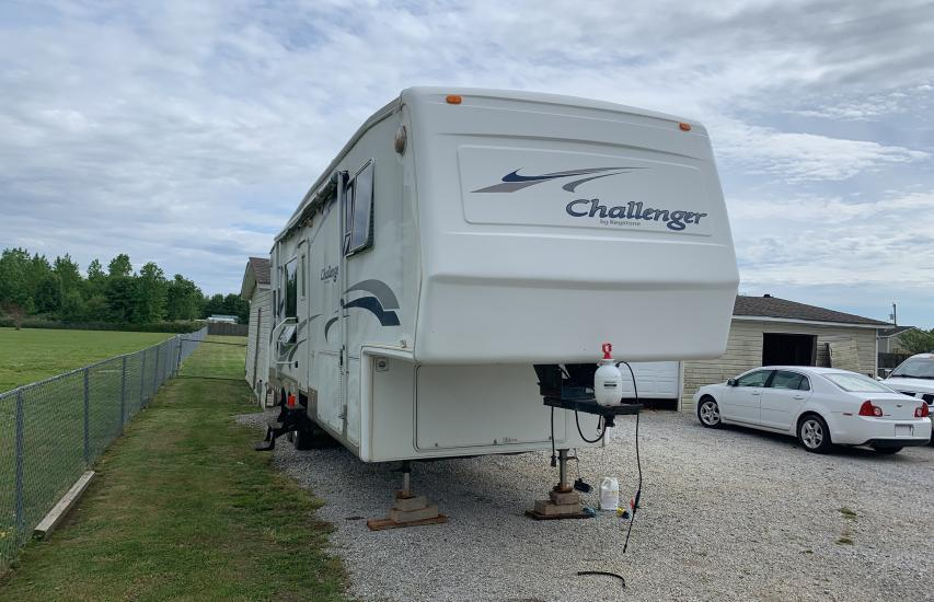 Keystone salvage cars for sale: 2004 Keystone Challenger