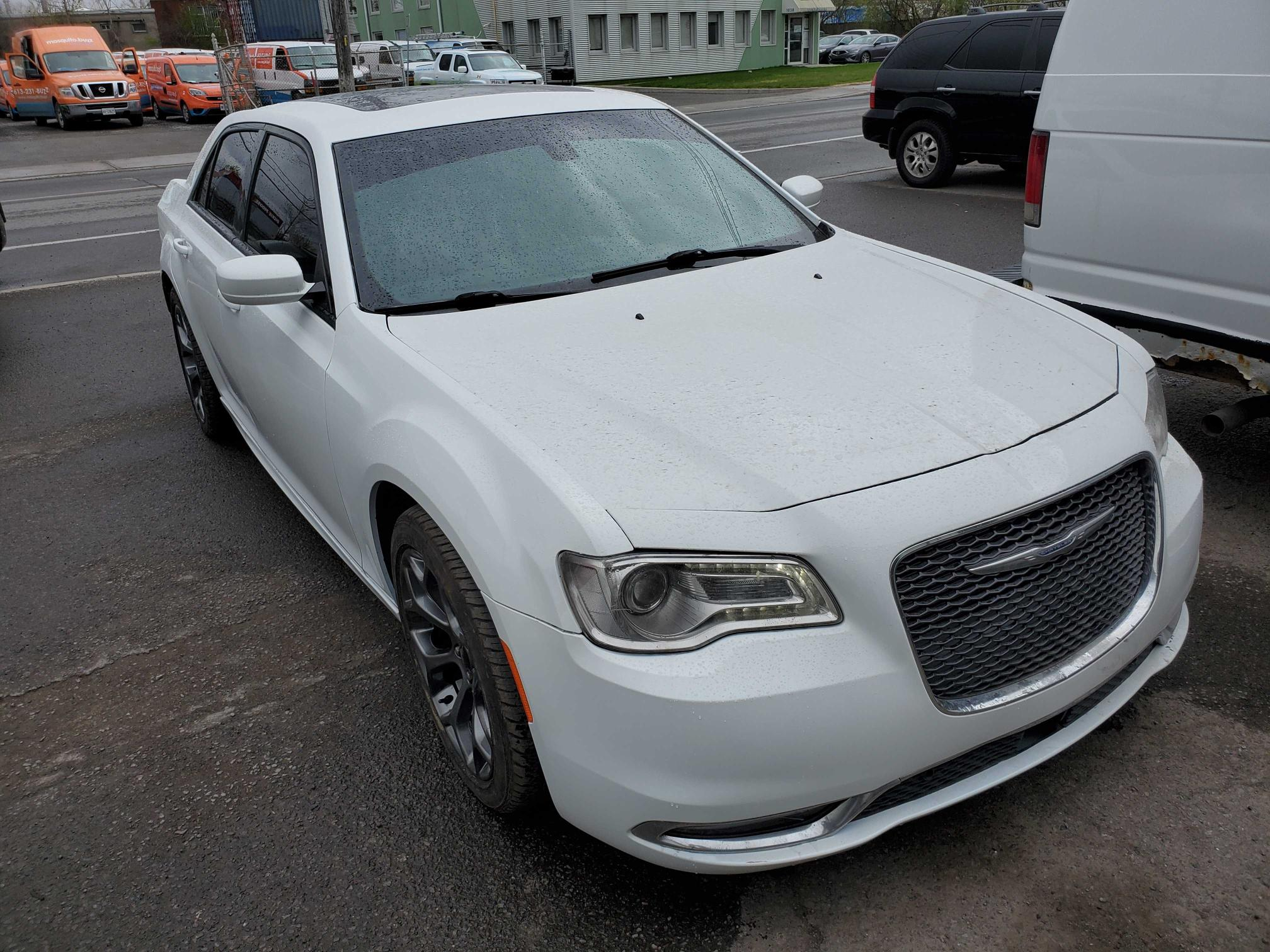 Salvage cars for sale from Copart Montreal Est, QC: 2017 Chrysler 300 S
