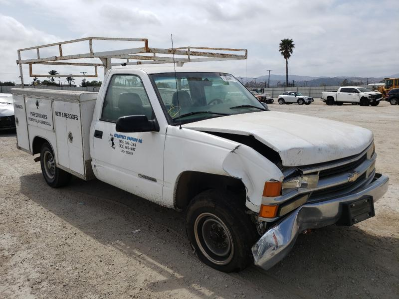 Salvage cars for sale from Copart Van Nuys, CA: 2000 Chevrolet GMT-400 C3