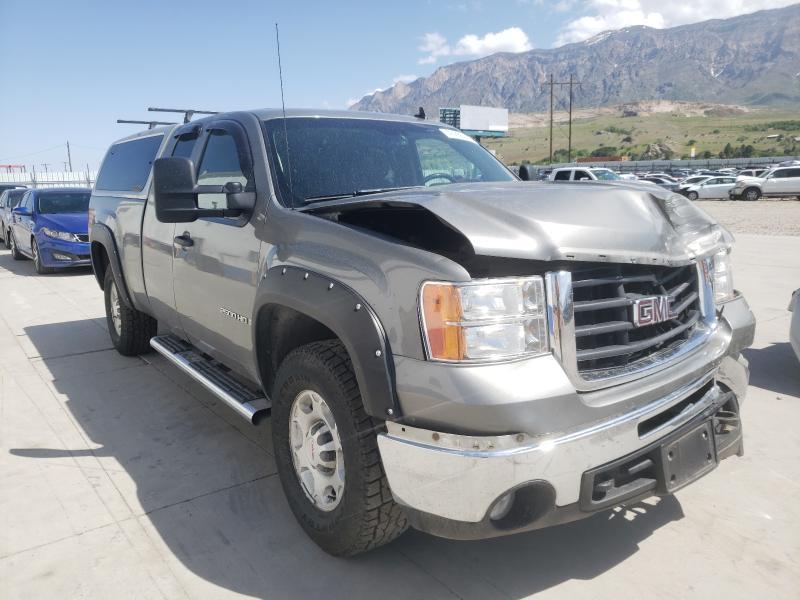 Salvage trucks for sale at Farr West, UT auction: 2009 GMC Sierra K25