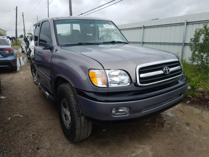 Salvage trucks for sale at Houston, TX auction: 2000 Toyota Tundra ACC