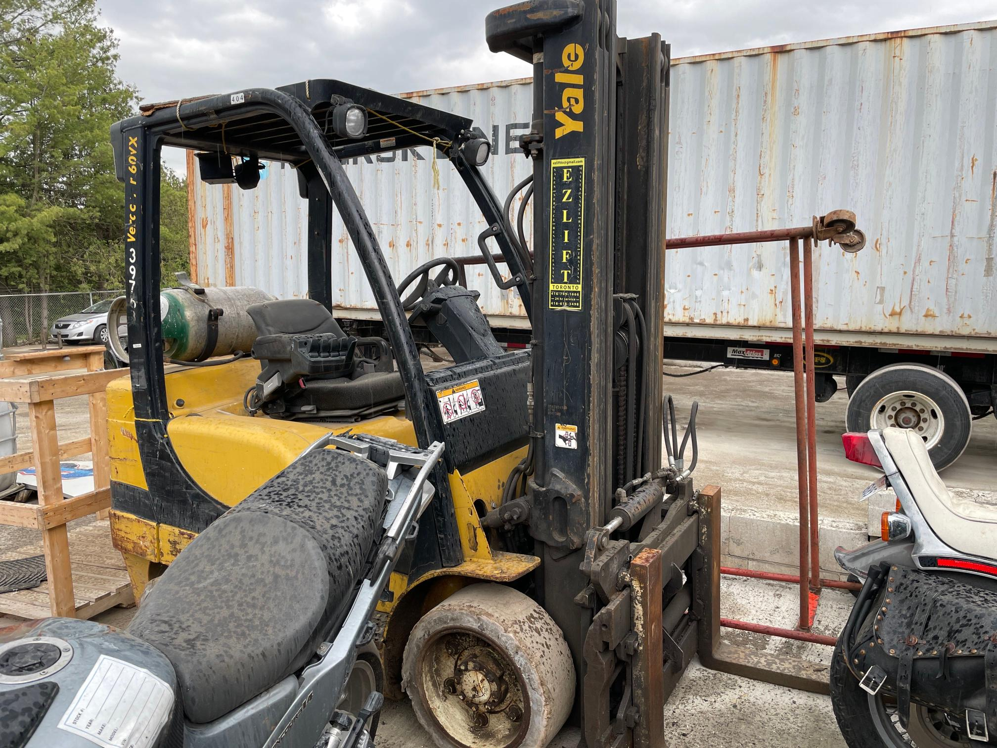 Salvage cars for sale from Copart Ontario Auction, ON: 2007 Yale Forklift