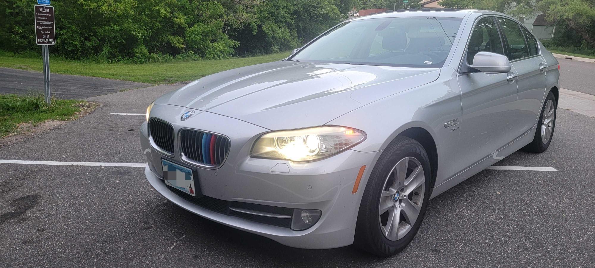 BMW 5 SERIES 2012 1