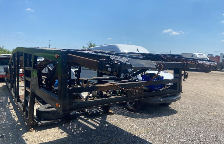 Salvage trucks for sale at Elgin, IL auction: 2007 Wall Car Hauler