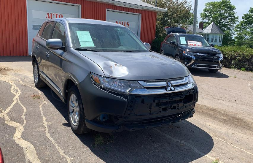 Salvage cars for sale from Copart Moncton, NB: 2018 Mitsubishi Outlander