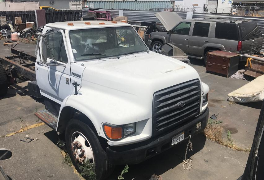 Salvage cars for sale from Copart Sacramento, CA: 1999 Ford F800