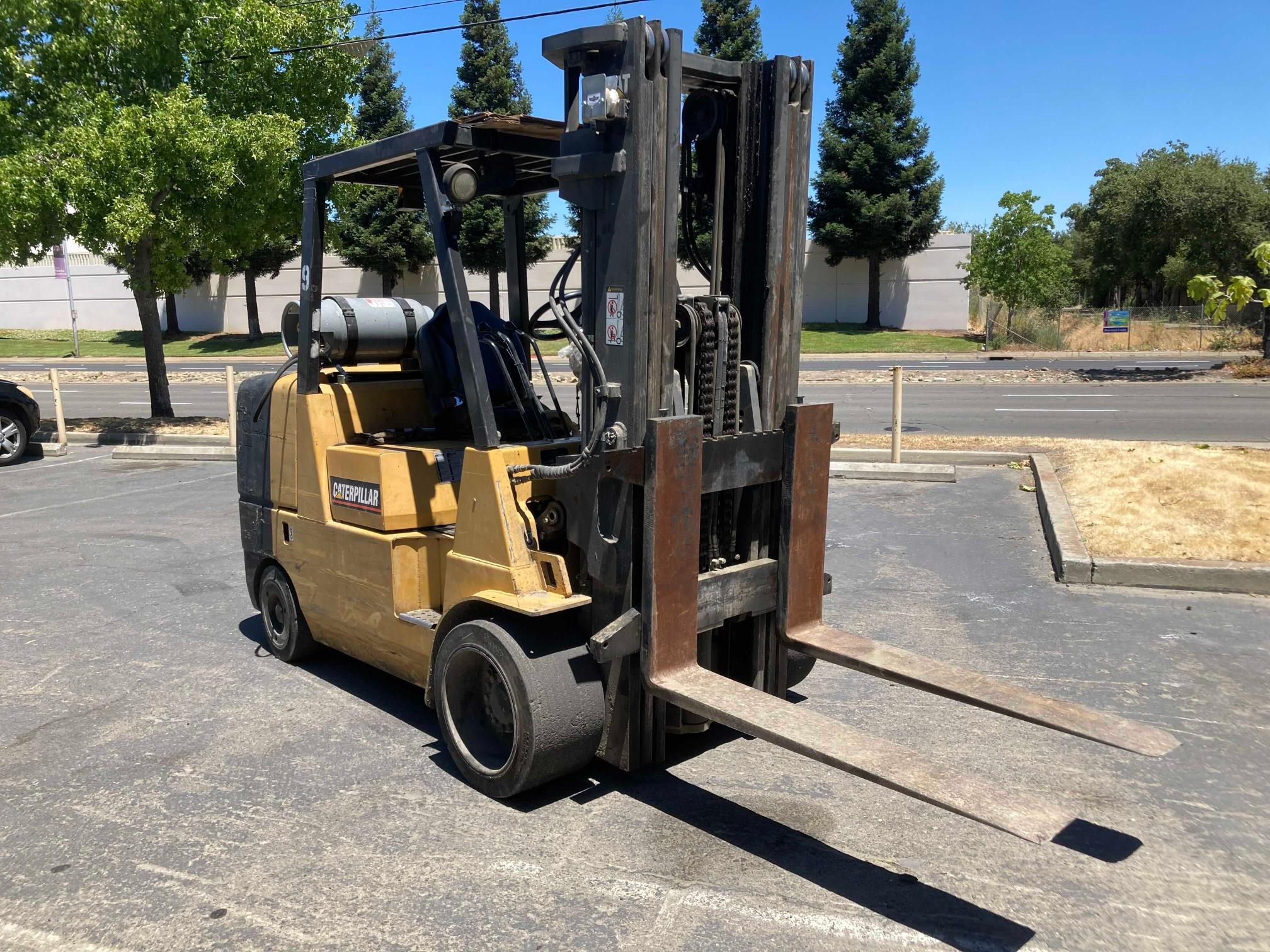 Salvage cars for sale from Copart Antelope, CA: 2000 Caterpillar Forklift