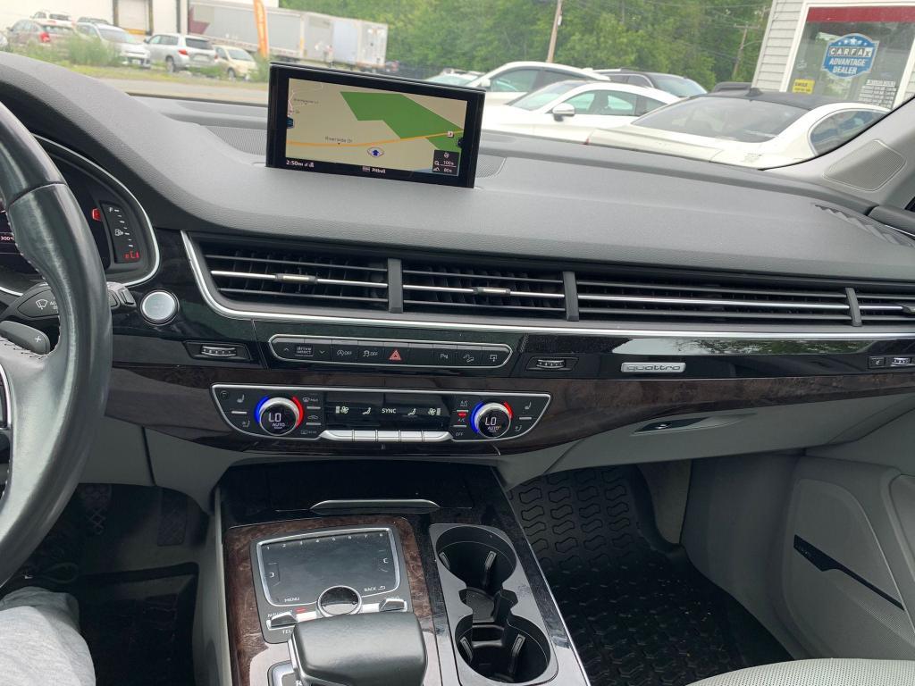 2017 AUDI Q7 PREMIUM WA1LAAF70HD009140