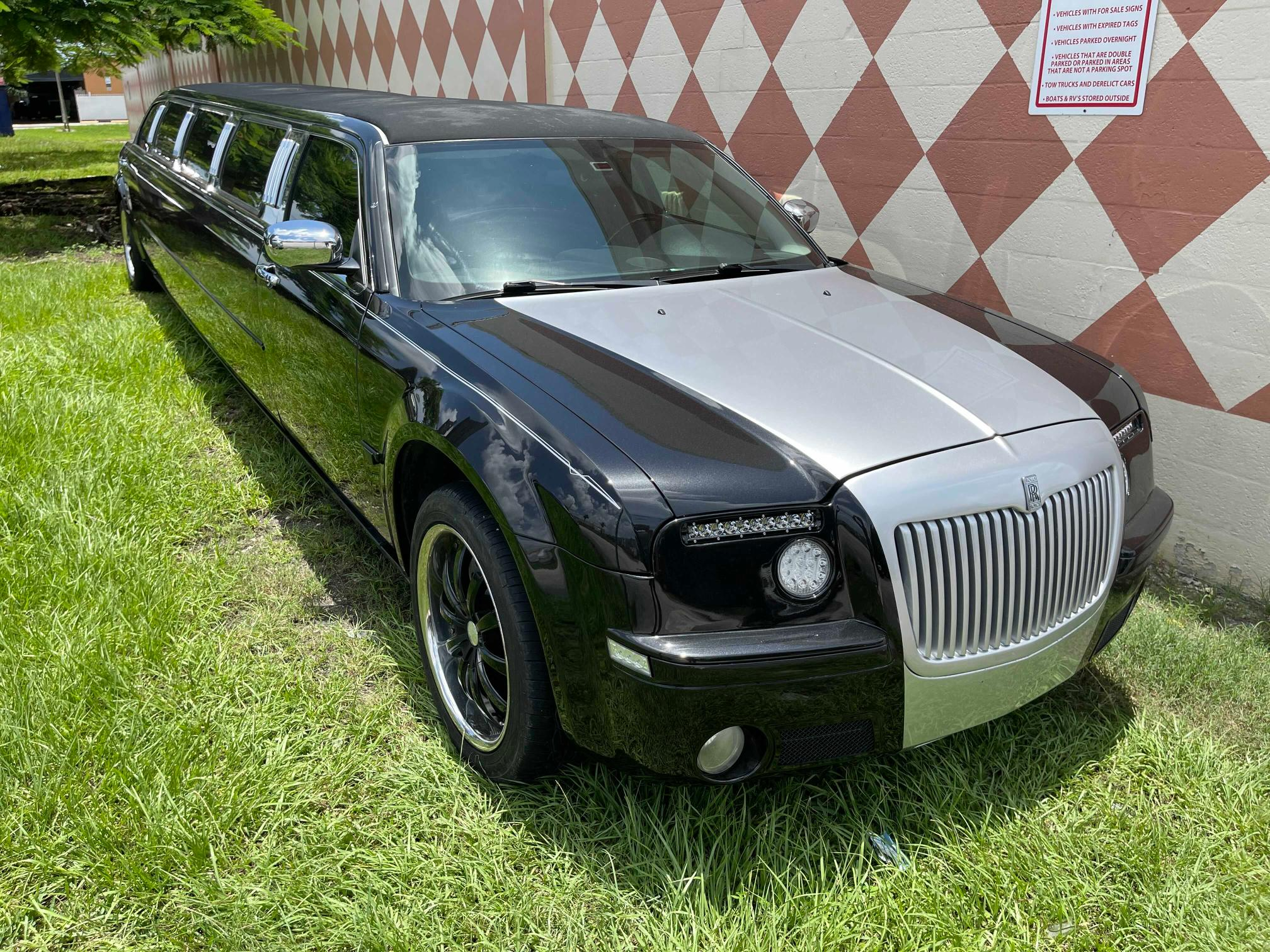 Salvage cars for sale from Copart Homestead, FL: 2005 Chrysler 300C
