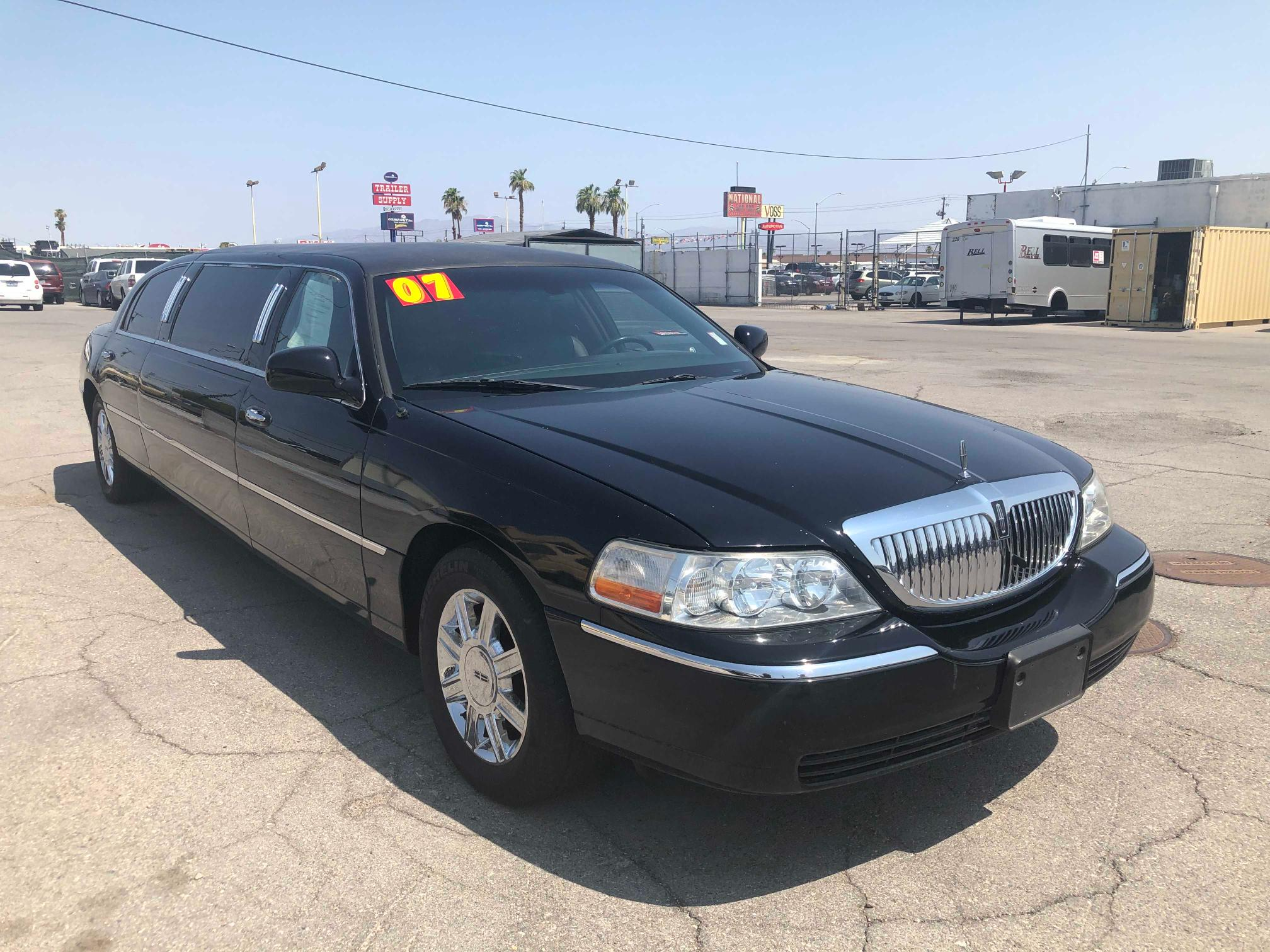 Used 2007 LINCOLN TOWNCAR - Small image. Lot 50802211