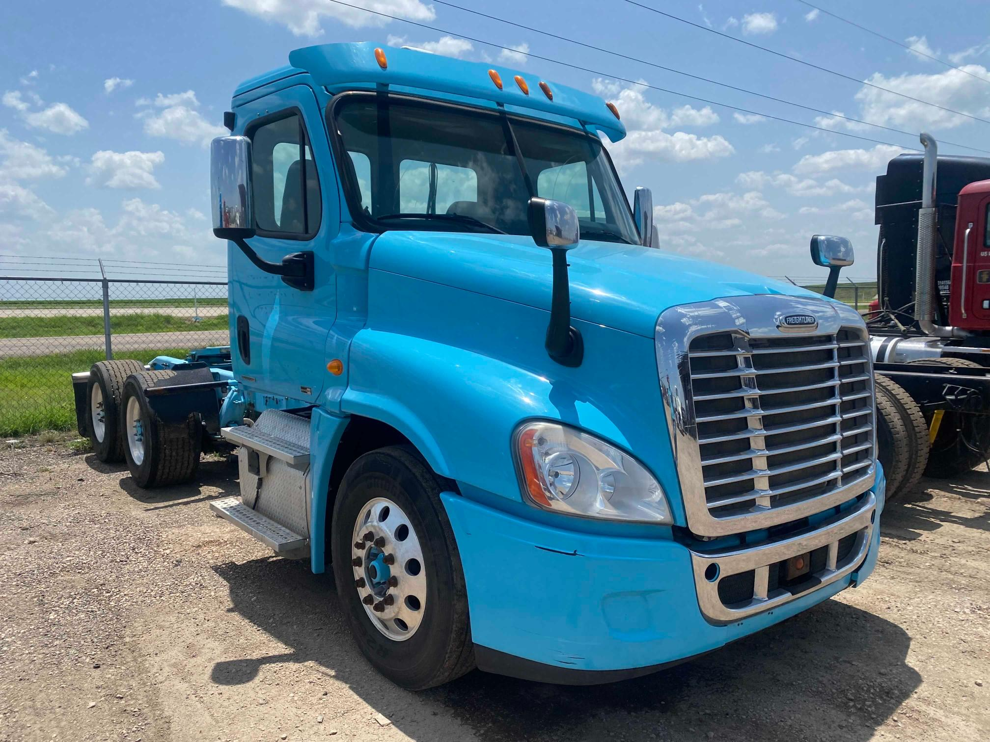 Freightliner Cascadia 1 salvage cars for sale: 2012 Freightliner Cascadia 1