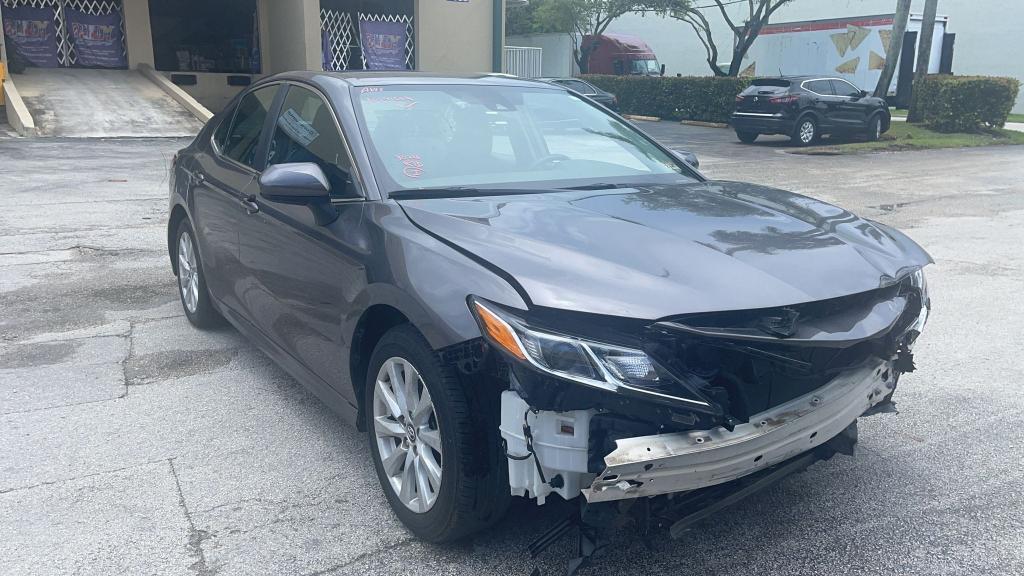 Vehiculos salvage en venta de Copart Homestead, FL: 2020 Toyota Camry LE