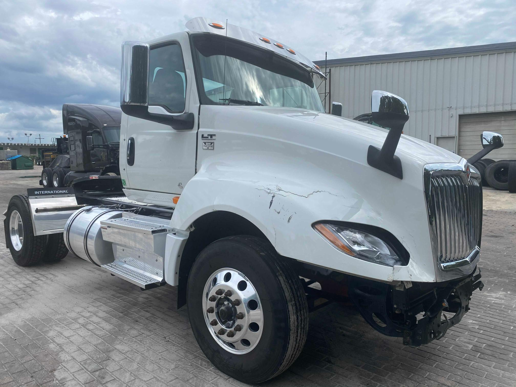 Salvage cars for sale from Copart Jacksonville, FL: 2019 International LT625