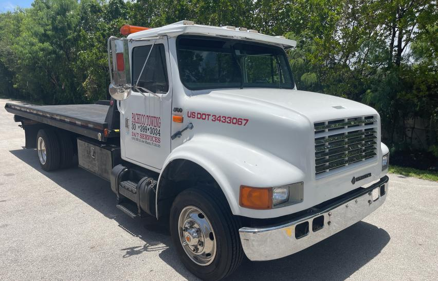 Salvage cars for sale from Copart Opa Locka, FL: 1995 International 4000 4700