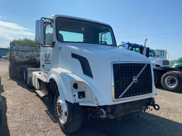 Salvage cars for sale from Copart Amarillo, TX: 2012 Volvo VN VNL