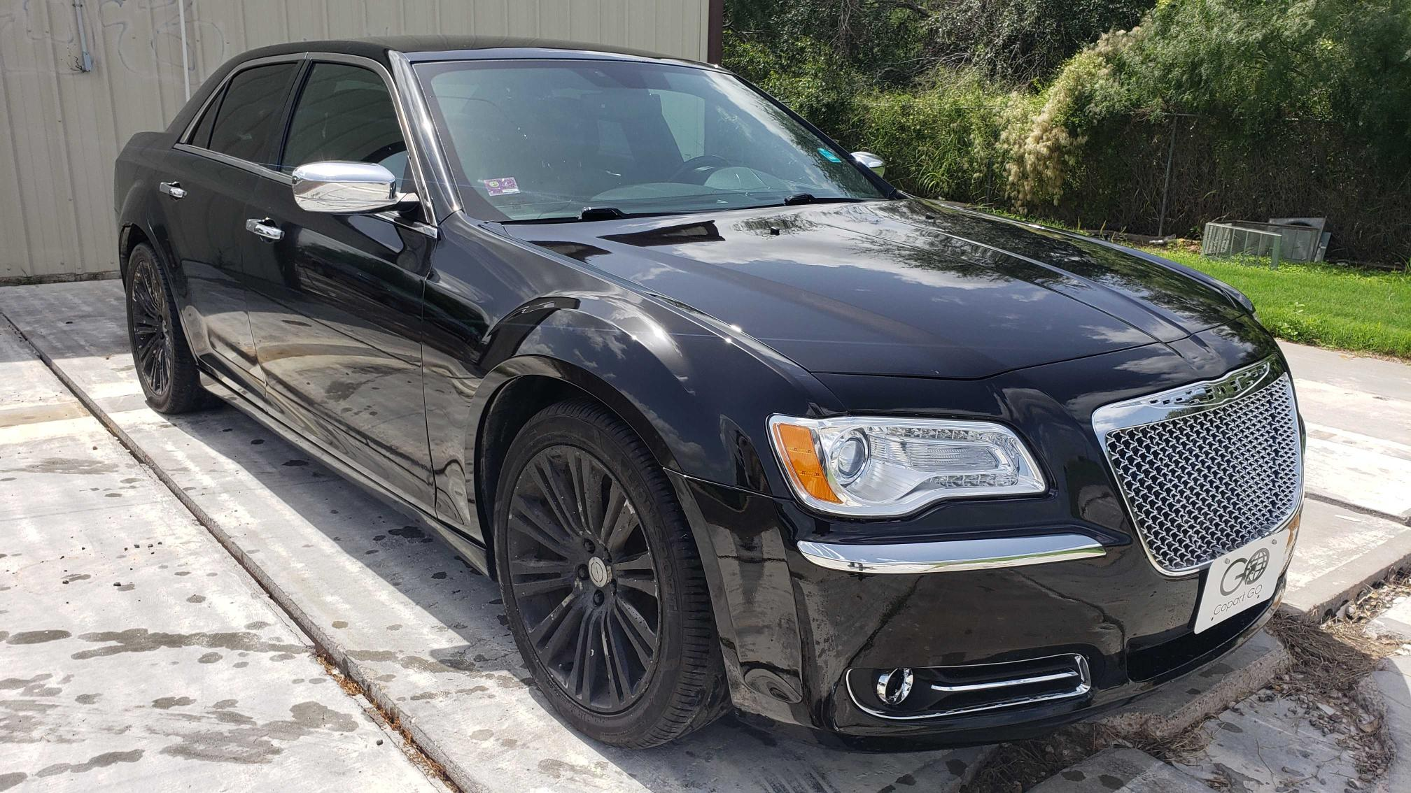 Used 2012 CHRYSLER 300 - Small image. Lot 51819211