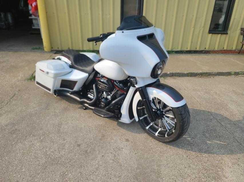 Salvage cars for sale from Copart Louisville, KY: 2018 Harley-Davidson Flhxse CVO