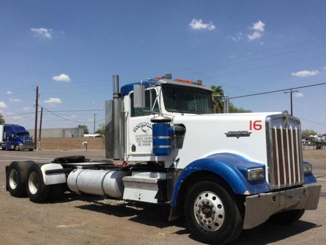 Salvage cars for sale from Copart Phoenix, AZ: 2000 Kenworth Construction