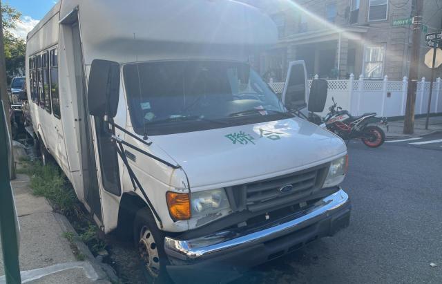 Vehiculos salvage en venta de Copart East Granby, CT: 2006 Ford Econoline