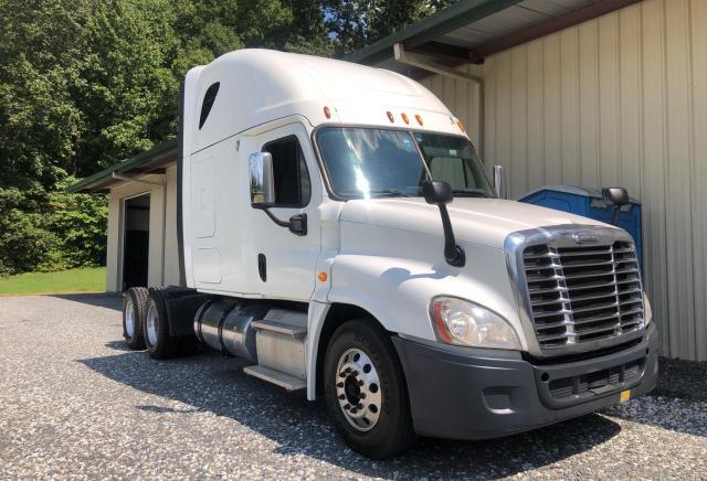 Vehiculos salvage en venta de Copart China Grove, NC: 2015 Freightliner Cascadia 1