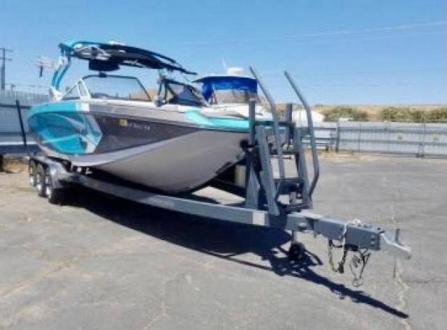 Salvage boats for sale at Madisonville, TN auction: 2014 Nauticstar Boat