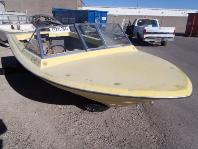 Salvage 1976 Generac BOAT ONLY for sale