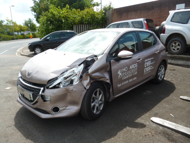 auto auction ended on vin vf3cchmz0ew 2014 peugeot 208 active in bristol. Black Bedroom Furniture Sets. Home Design Ideas