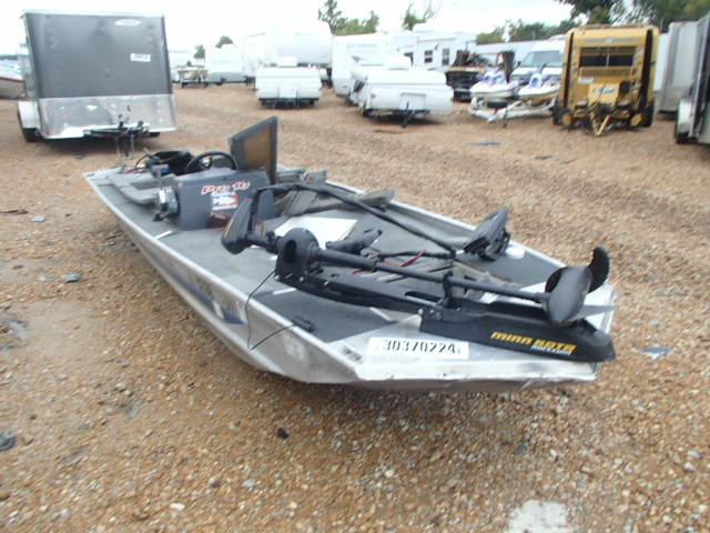 Salvage 1991 Basstracker BOAT for sale