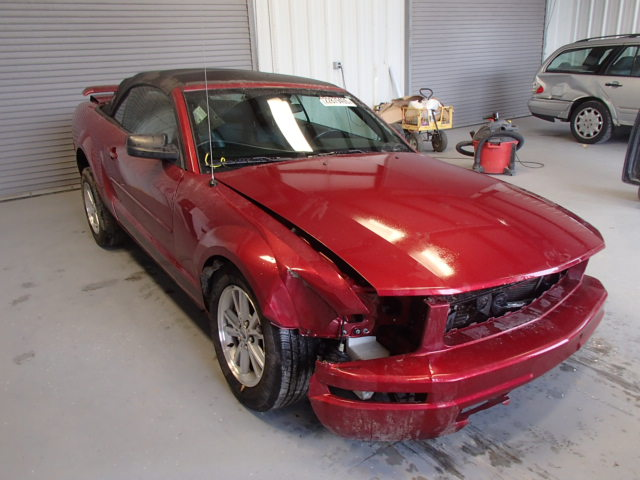1ZVFT84N165241810-2006-ford-mustang-0