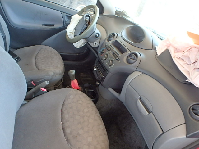 2000 TOYOTA ECHO 1.5L close up View