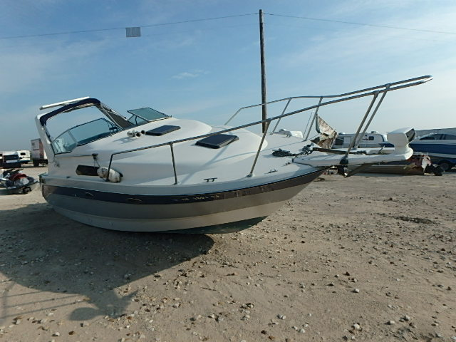 Salvage 1988 Bayliner MARINE TRAILER for sale