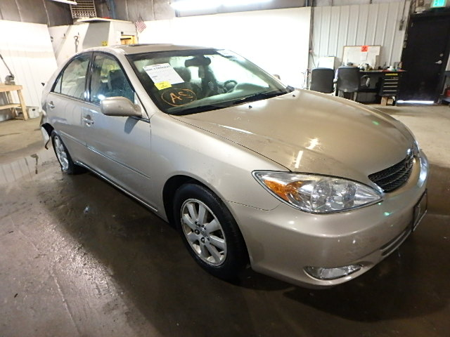 4T1BE30K44U879820 - 2004 TOYOTA CAMRY LE/X