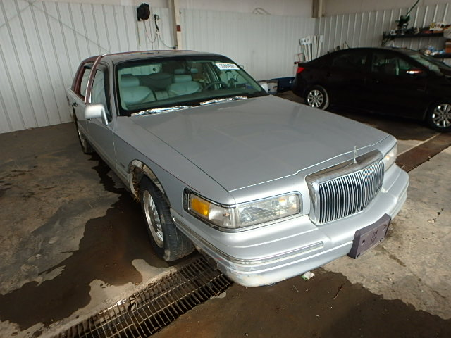 1LNLM83W8VY746278 - 1997 LINCOLN TOWN CAR C