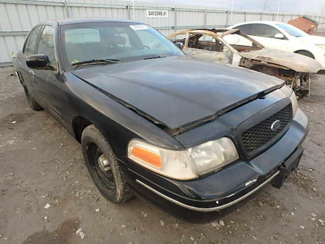 2FAFP71W8WX135809 - 1998 FORD CROWN VIC